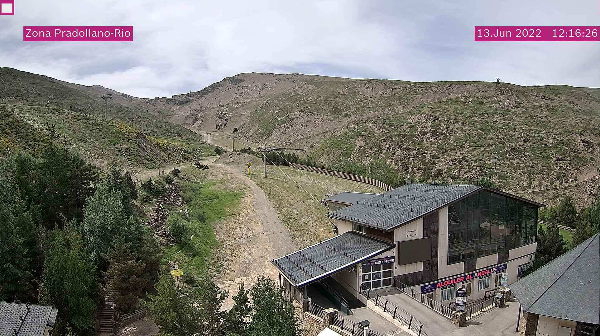 LIVE Webcam in Pradollano - Sierra Nevada - Granada